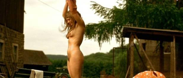 Jördis Triebel nude full frontal - Emma's Glück (DE-2006) (6)