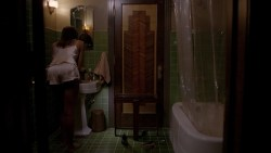 Lady Gaga and Angela Bassett hot lesbian sex and Naomi Campbell hot - American Horror Story (2015) s5e3 hd720-1080p (10)