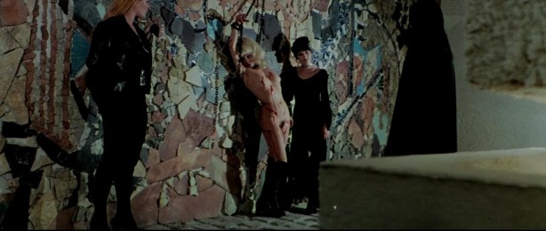 Lina Romay nude bush Monica Swinn & Anna Watican - Female Vampire (1973) HD 720p BluRay (2)