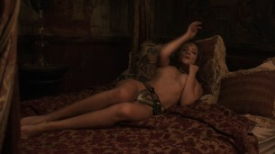 Alicja Bachleda nude topless and Yvonne Strahovski hot - Edge (2015) HD 1080p (2)