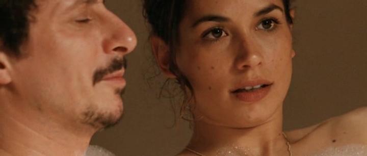 Giulia Michelini nude bush and Tiziana Buldini nude too - Immaturi (2011) (4)