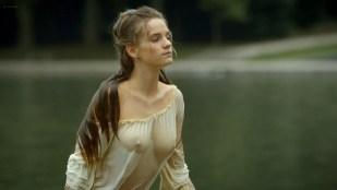 Noémie Schmidt nude topless and butt - Versailles (FR-2015) S01 E02 HD 1080p