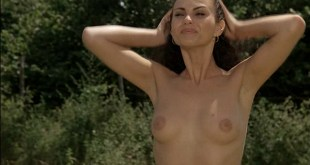 Ramona Badescu nude topless and nude butt - Le Nuove Comiche (IT-1994) (3)