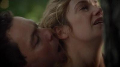 Ruth Wilson hot and wet in bikini sex doggystyle - The Affair (2015) s2e6 HD 720p (8)