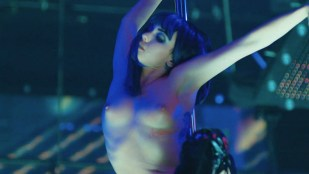 Sarah Hay nude Emily Tyra, Raychel Diane Weiner nude too - Flesh and Bone (2015) s1e1 HD 720p