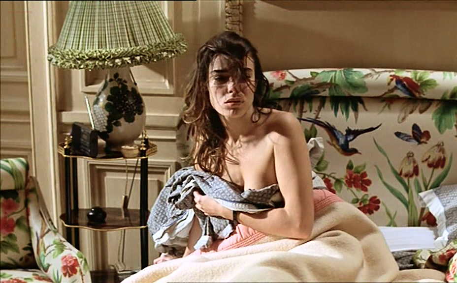 Élodie Bouchez nude bush and Sophie Aubry nude butt and boobs- Le plus bel âge (FR-1995) (19)