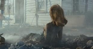 Lucy Lawless nude side boob and butt - Ash vs. Evil Dead (2015) S01E07 HD 1080P WebDl (5)