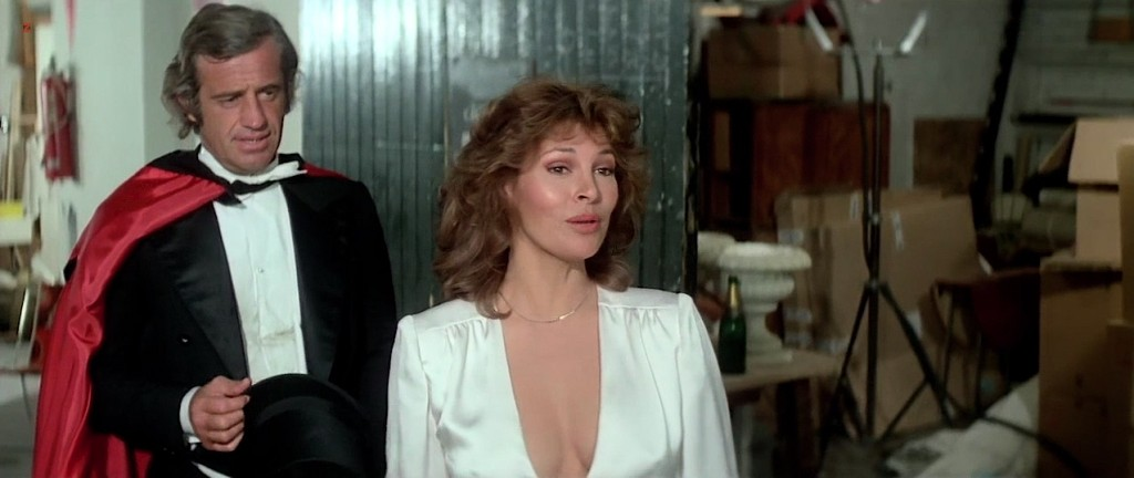Raquel Welch hot cleavage wet and see through - L'animal (1977 hd720p (6)