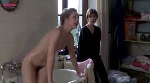 Natacha Régnier nude bush and Sandrine Kiberlain nude topless- Tout va bien, on s'en va (FR-2000)