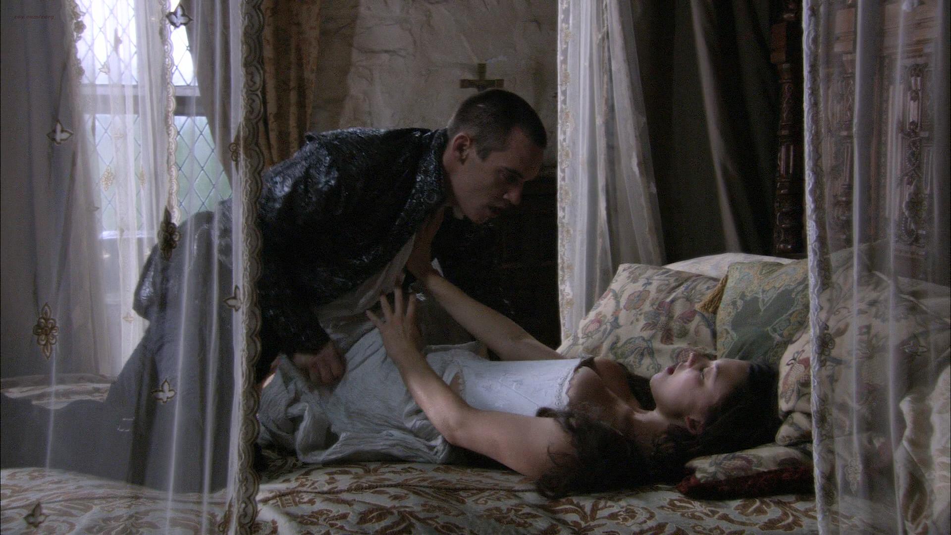 Natalie Dormer hot sex and Gabrielle Anwar hot - The Tudors (2007) S01E05 HD 1080p (7)