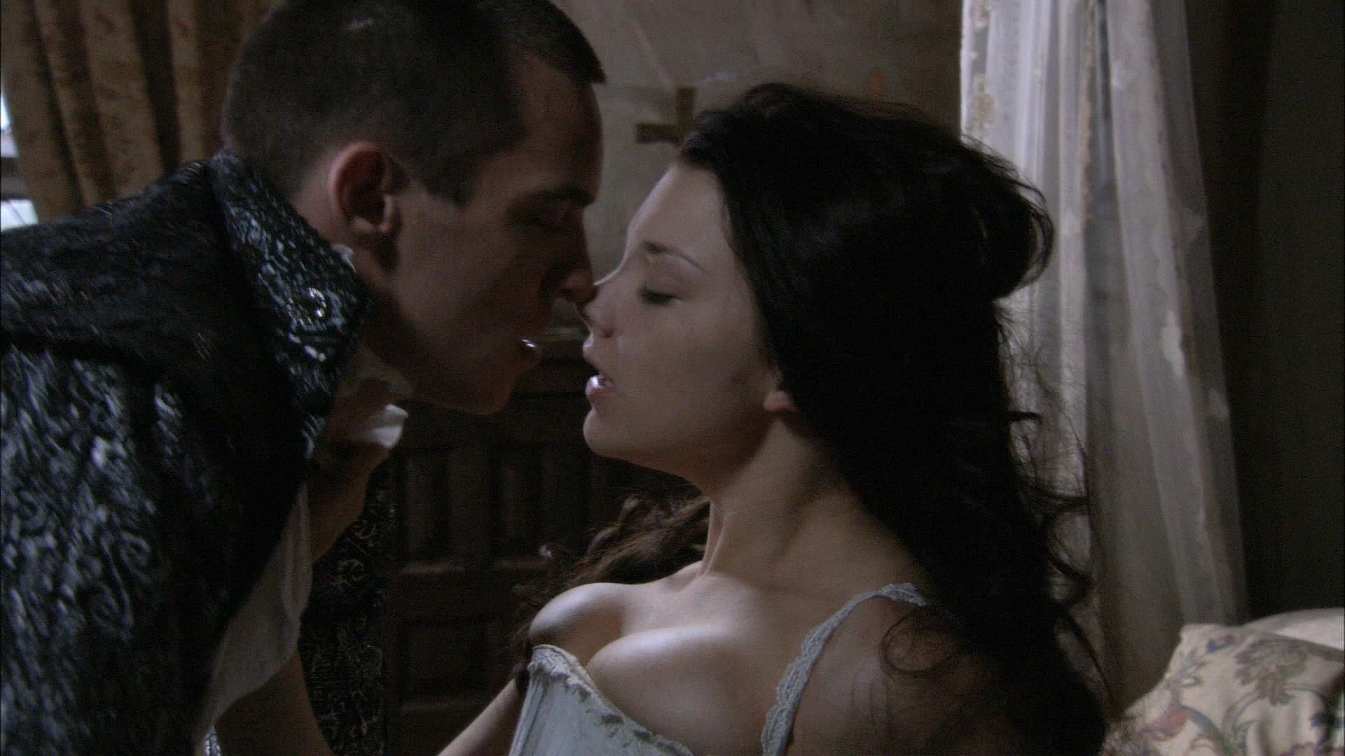 Natalie Dormer hot sex and Gabrielle Anwar hot - The Tudors (2007) S01E05 HD 1080p (2)