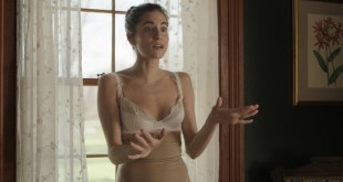 Allison Williams hot in bra and cute and Lena Dunham nude sex in the car - Girls (2016) S05E01 HDTV 720p (6)