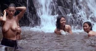 Charlotte Lewis nude topless - Men Of War (1994) HD 1080p (3)