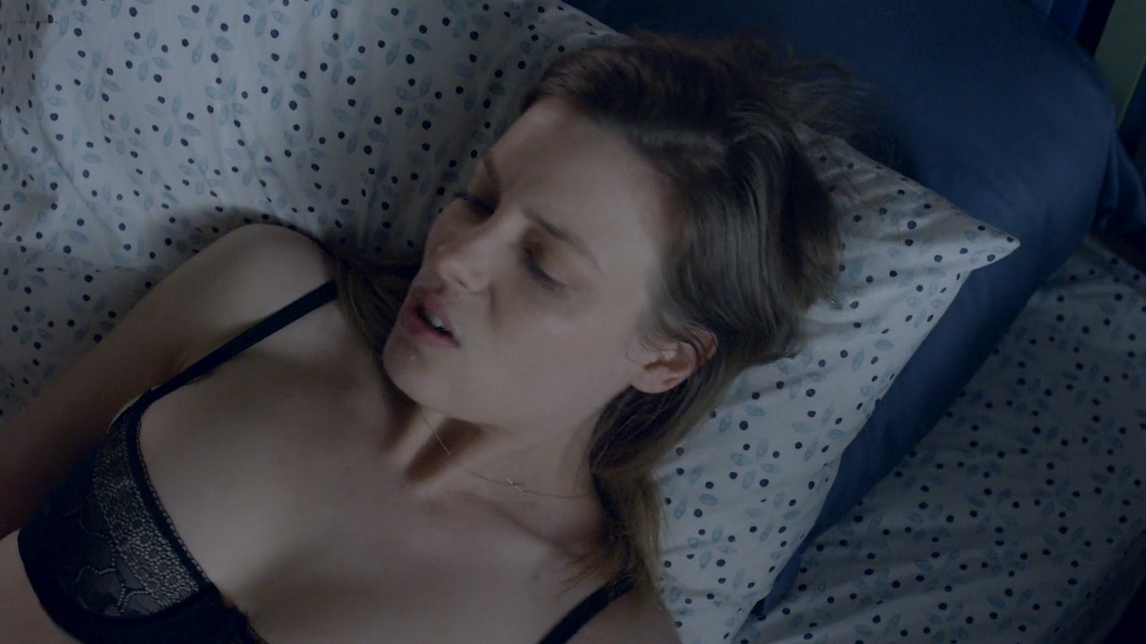 Gillian Jacobs hot sex, Emily Sandifer and Jennifer Blakeslee nude topless and sex - Love (2016) s1e1 HD720p (9)