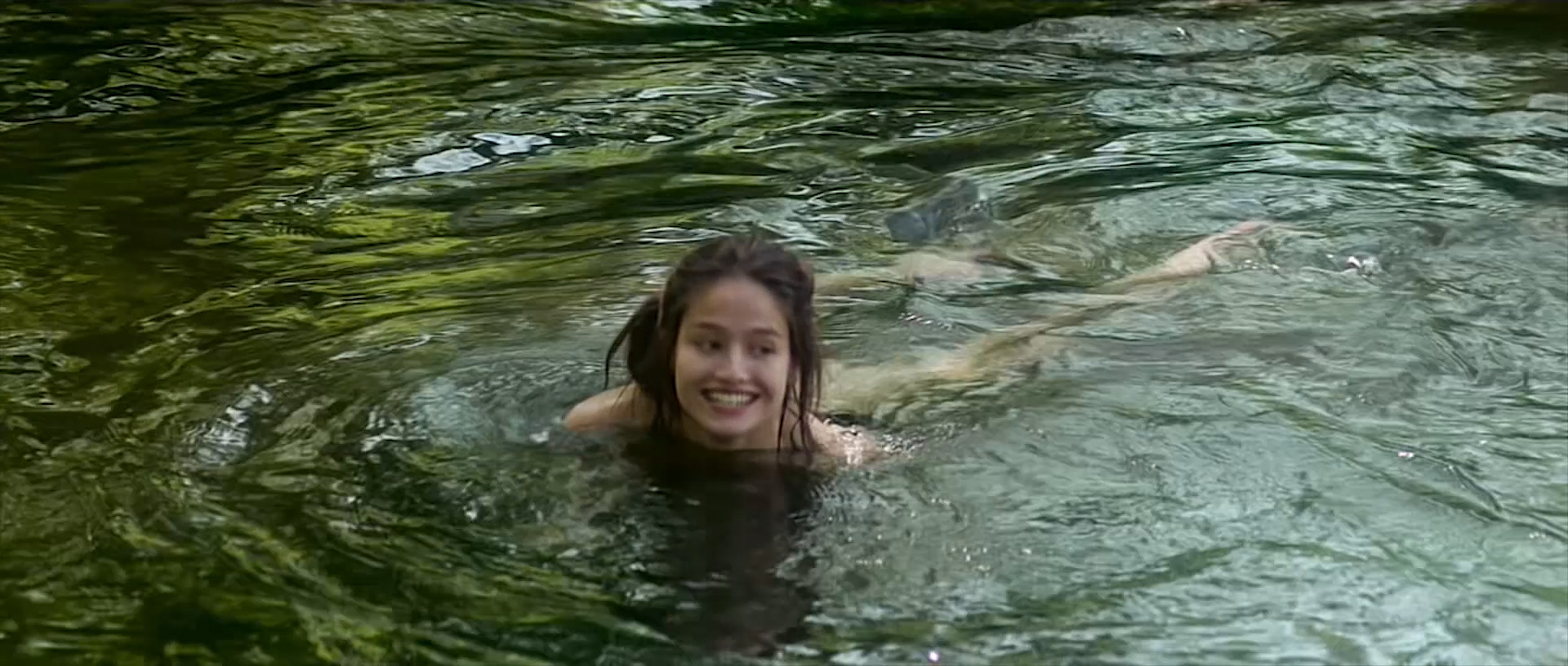 Marie Gillain nude butt naked and skinny dipping - Le bossu (FR-1997) HD 1080p (2)