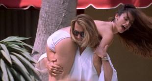 Penélope Cruz hot and sexy, Franka Potente and other's hot in bikini - Blow (2001) HD 1080p BluRay (12)