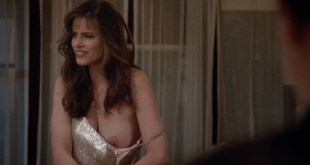 Melanie Lynskey hot bra and sex and Amanda Peet nip slip - Togetherness (2016) s2e2 HDTV 720p (2)