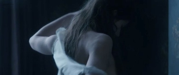 Adèle Exarchopoulos nude brief side boob and hot - Les Anarchistes (FR-2015) (1)