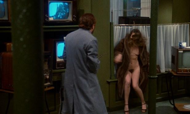 Dominique Sanda nude full frontal - Une chambre en ville (FR-1982) HD 1080p (4)