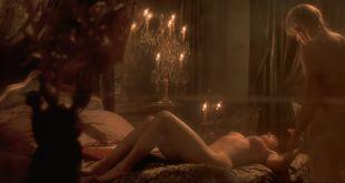 Monica Bellucci nude in - Le pacte des loups (FR-2001) HD 1080p BluRay (5)