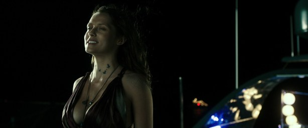 Teresa Palmer hot and busty in bikini and very sexy - Point Break (2015) HD 1080p (5)