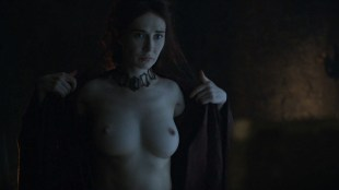 Carice van Houten nude topless and butt – Game Of Thrones (2016) s06e01 HD 1080p