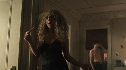 Juno Temple nude sex threesome and Olivia Wilde hot - Vinyl (2016) s1e9 HDTV 720p (4)