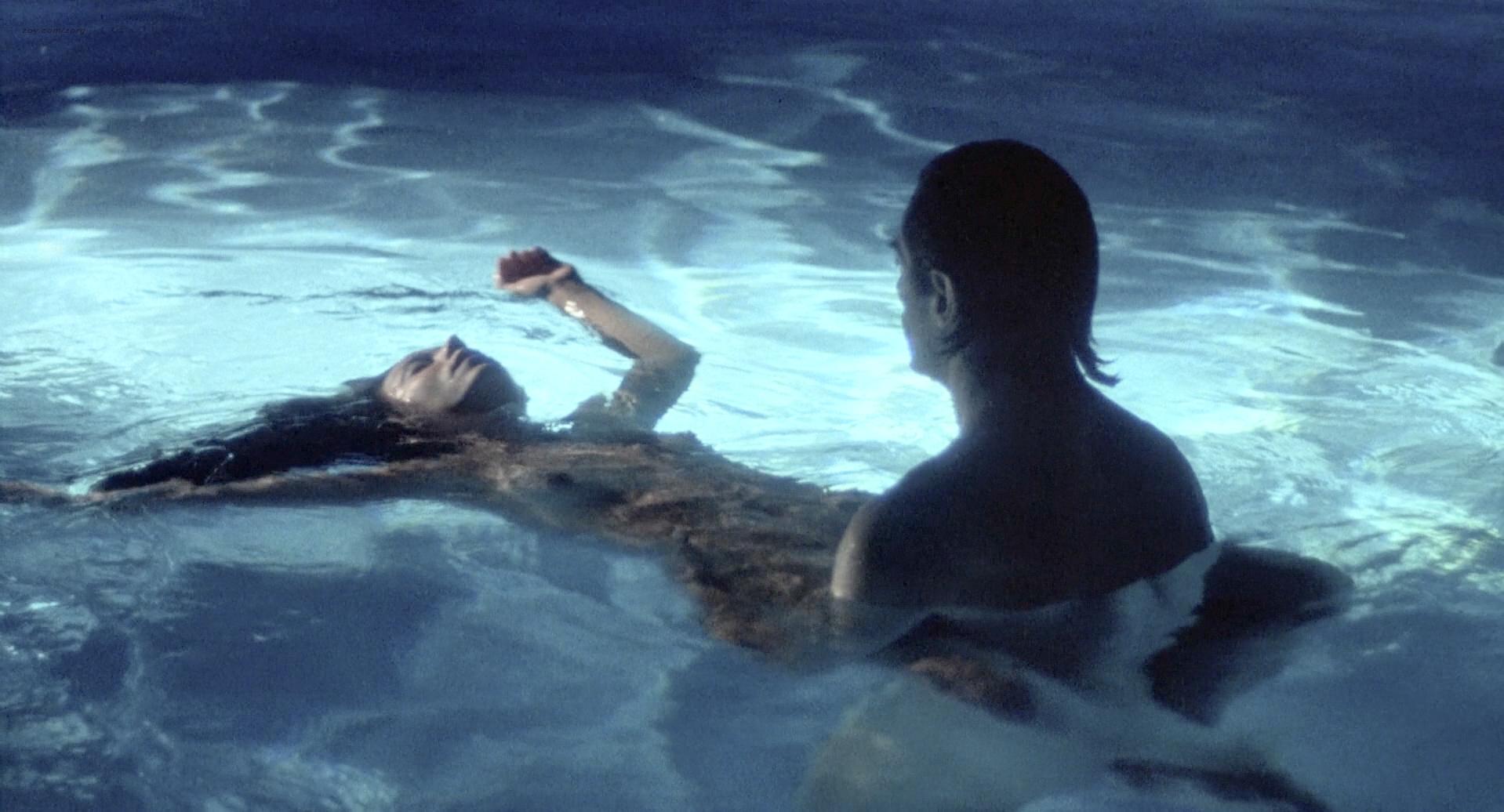 Theresa Russell nude butt sex and Debra Winger hot bikini - Black Widow 1987 1080p BluRay (14)