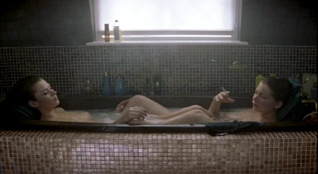 Anna Friel nude Michelle Williams and Marianne Denicourt nude too - Me without you (2001) (8)
