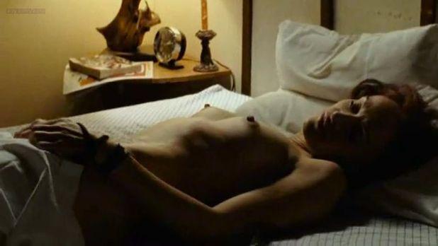 Clara Furey nude brief topless and Danielle Hubbard nude sex - CQ2 (CA-FR-2004) (1)