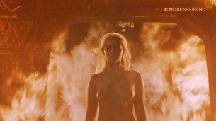 Emilia Clarke nude topless- Game of Thrones (2006) s6e4 HDTV 1080p (5)