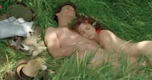 Michelle Pfeiffer hot Anna Friel and Calista Flockhart hot and sexy - A Midsummer Night's Dream (1999) (1)