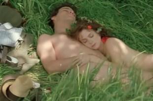 Michelle Pfeiffer hot Anna Friel and Calista Flockhart hot and sexy – A Midsummer Night's Dream (1999)