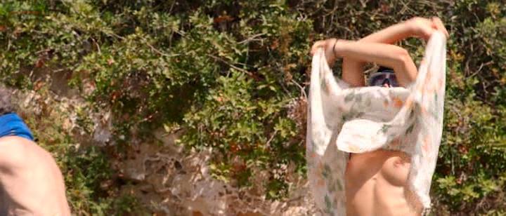 Olivia Delcán nude bush, butt and nude boobs - Isla Bonita (ES-2015) (1)