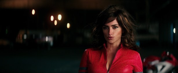 Penélope Cruz hot busty cleavage and Naomi Campbell hot - Zoolander 2 (2016) HD 1080p Web-Dl (8)