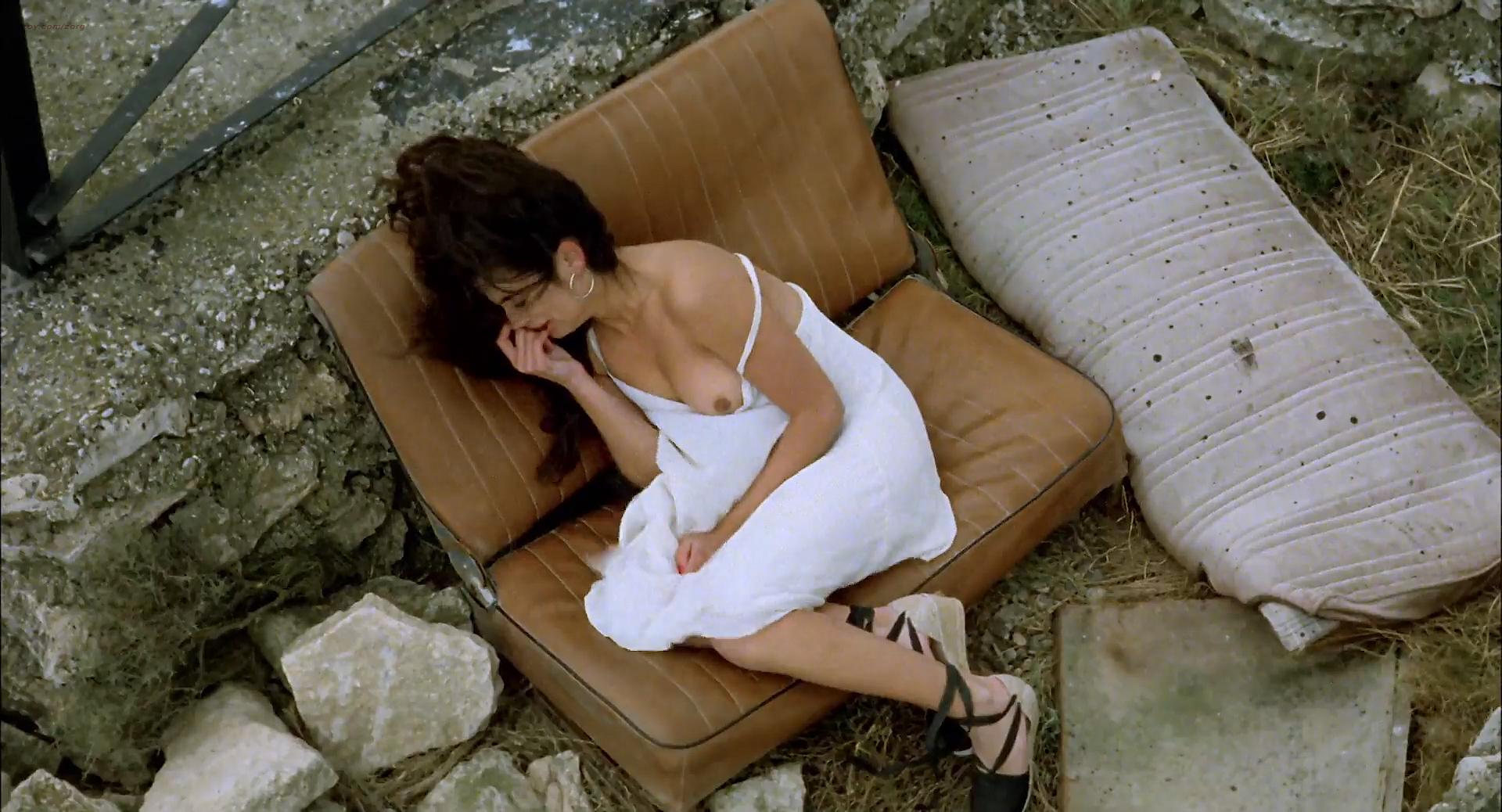 Penélope Cruz nude topless and sex and Anna Galiena nude topless - Jamon, Jamon (ES-1992) HD 1080p (19)