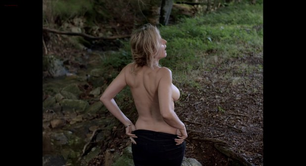 Isabelle Carré nude topless and hot sex Karin Viard nude side boob - 21 Nuits Avec Pattie (2015) HD 1080p BluRay (9)