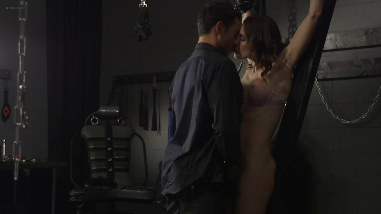 Ashlynn Yennie nude bush Skin Diamond, Victoria Levine and others nude too - Submission (2016) s1e5 HDTV 720p (13)