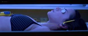 Jennifer Love Hewitt hot bikini and sexy cleavage - I Still Know What You Did Last Summer (1998) hd1080p BluRay
