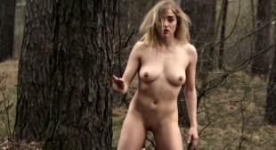 Julia Hummer nude bush Sarah Grether and Anna Eger nude full frontal - Top Girl (DE-2014)
