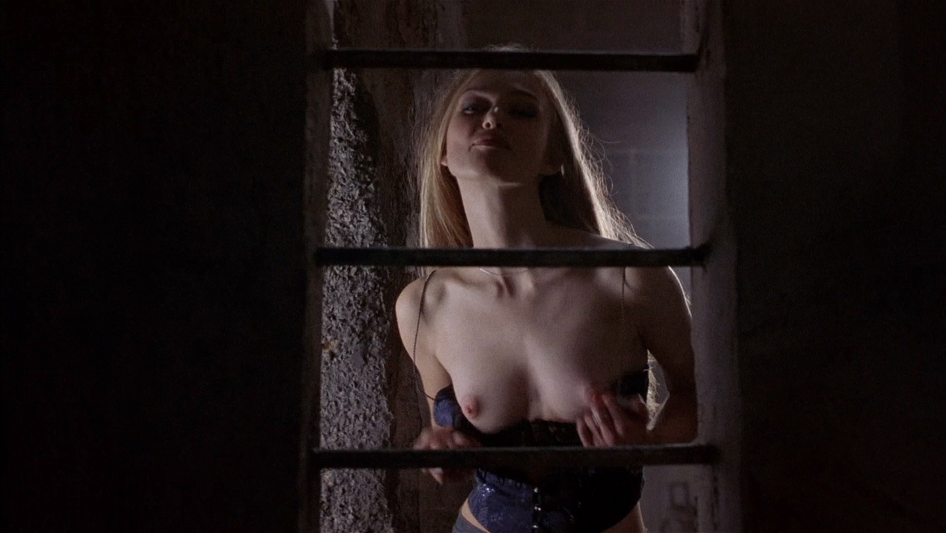 Keira Knightley nude topless and sex - The Hole (2001) HD 1080p BluRay (1)