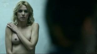 Maggie Civantos nude butt boobs and Berta Vázquez nude lesbian sex - Locked Up (ES-2015) s1