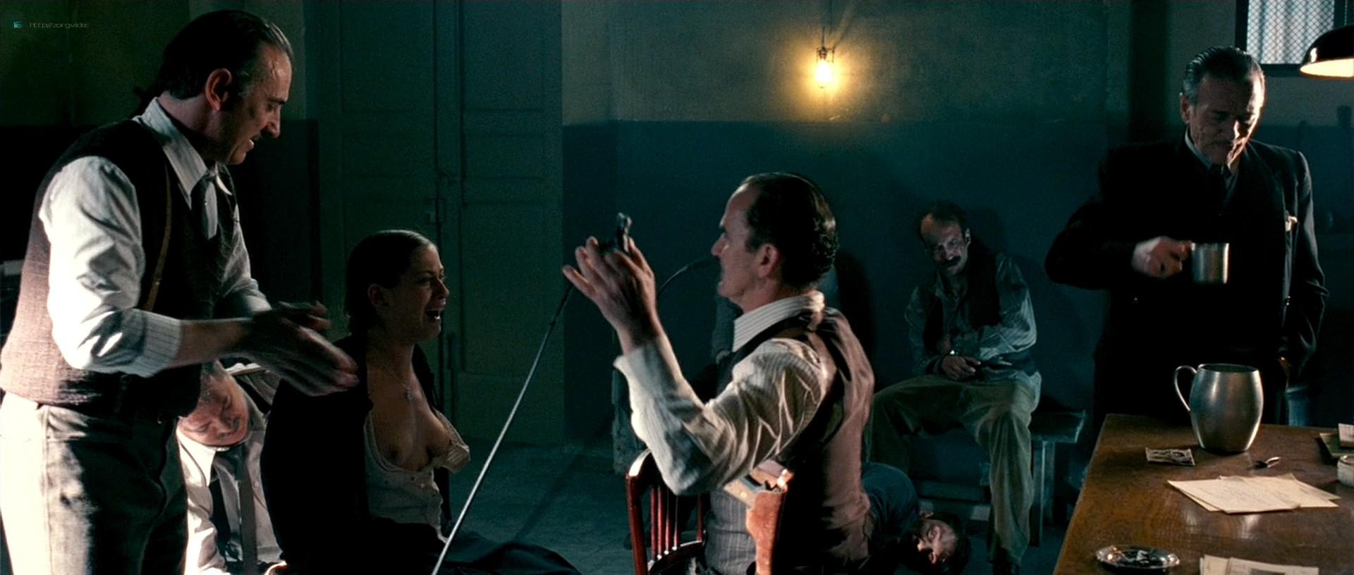 Maria Leon nude in - La voz dormida (2011) HD 1080p BluRay (9)
