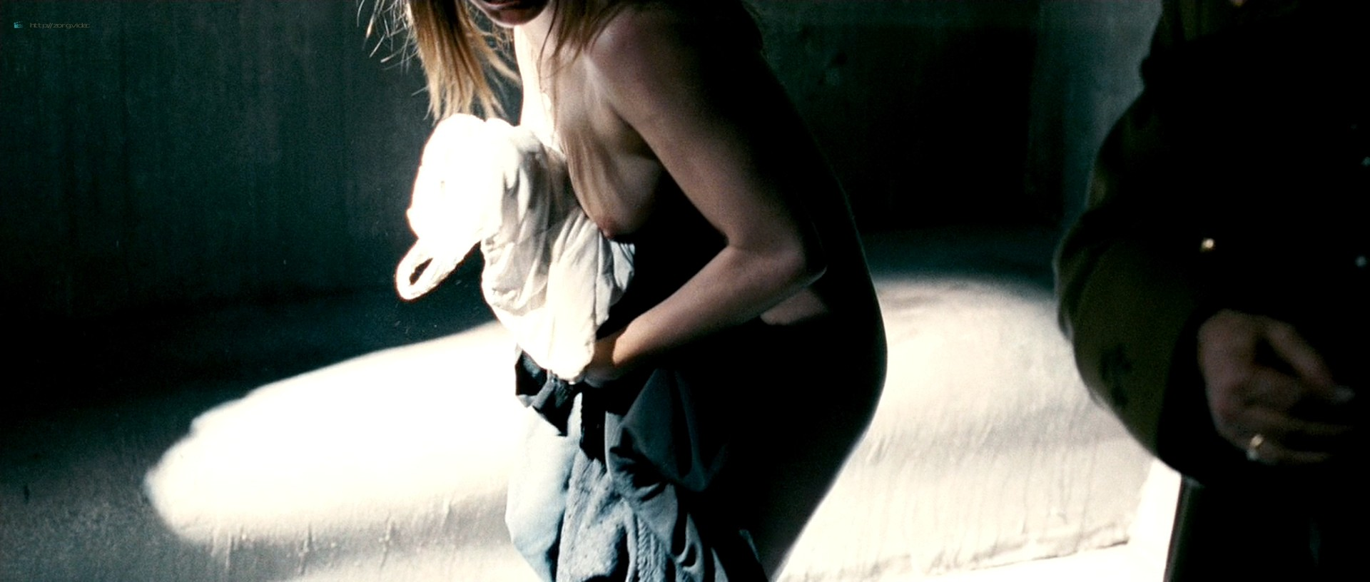 Maria Leon nude in - La voz dormida (2011) HD 1080p BluRay (3)