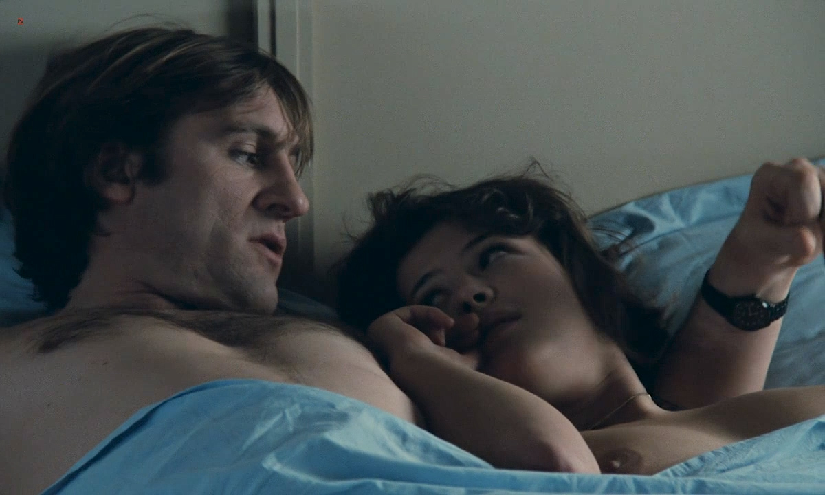 Sophie Marceau nude boobs and Sandrine Bonnaire nude bush full frontal - Police (FR-1985) HD 720p (8)