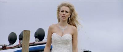 Anouk Kleykamp nude topless, Jennifer Hoffman hot and Jelka van Houten sexy - Familieweekend (NL-2016) HD 1080p BluRay (6)
