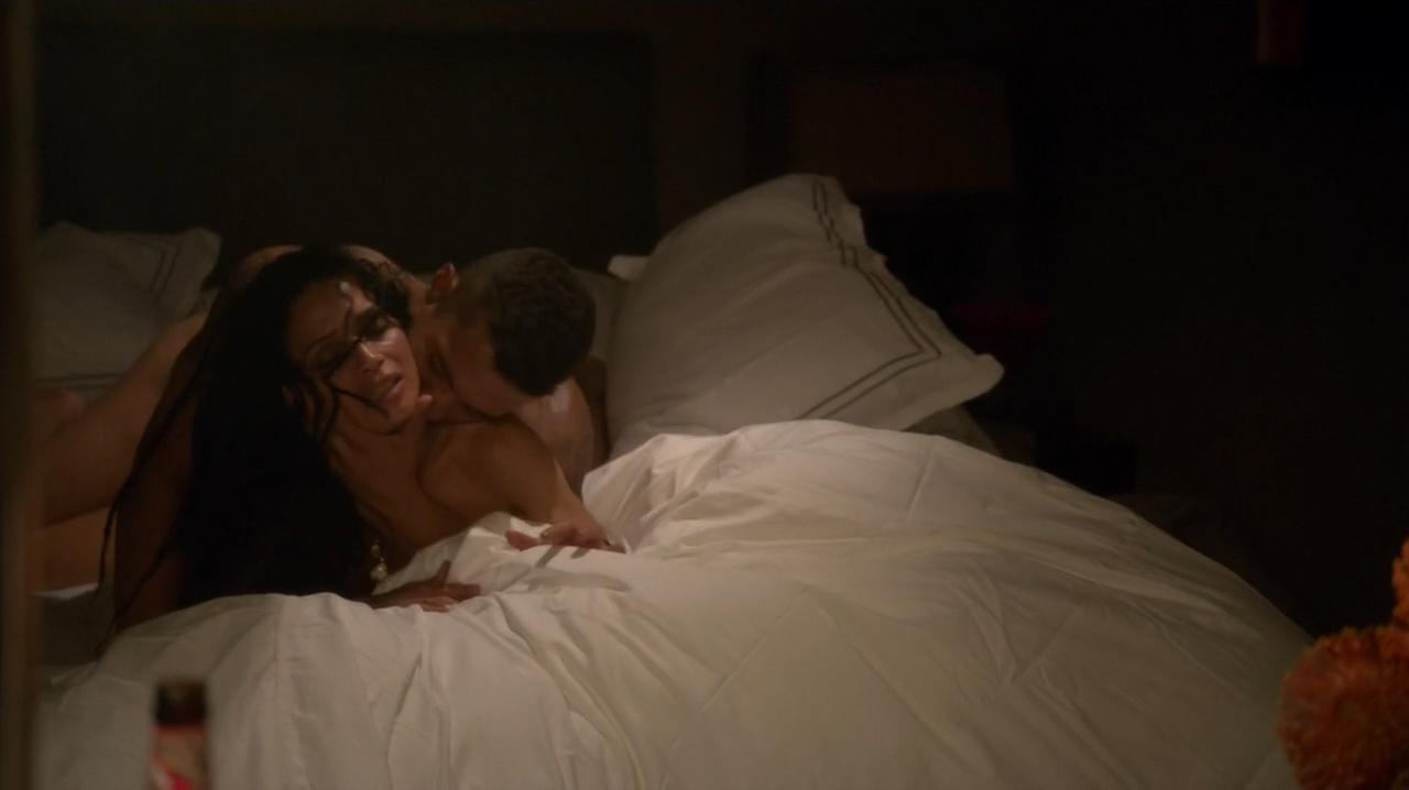 Lisa Bonet nude butt sex doggy style in brief hot scene - Ray Donovan (2016) S4E4 HDTV 720p (7)