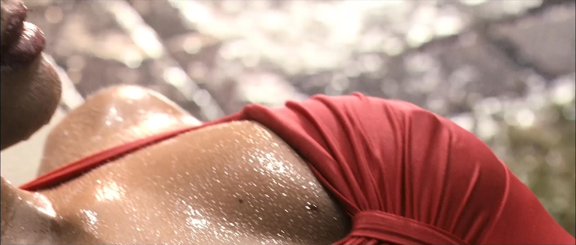 Tahyna Tozzi hot and wet and Kristi-Lee Kalendra nude topless - Beautiful (AU-2009) 1080p BluRay (11)