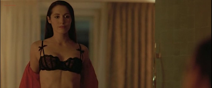 Candice Hugo nude topless and Hélène de Fougerolles sexy - La Donna Di Nessuno (IT-2009) (6)
