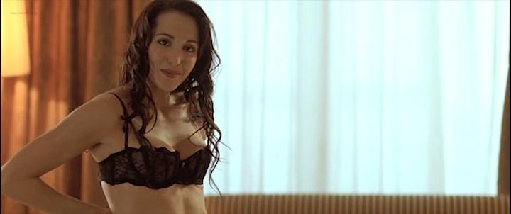 Candice Hugo nude topless and Hélène de Fougerolles sexy - La Donna Di Nessuno (IT-2009) (2)